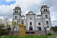 Basilikan av den Suyapa kyrkan i Tegucigalpa, Honduras Arkivbilder