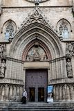 Basilikan av Santa Maria del Mar The Cathedral av havet/domkyrkan av La Ribera i Barcelona, Spanien royaltyfria bilder