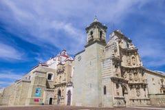 Basilikan av vår dam av ensamhet i Oaxaca Mexico Royaltyfri Foto