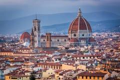 Basilique à Florence au coucher du soleil Photo stock