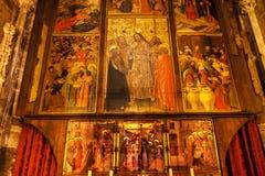 Disciples peints Barcel catholique gothique du Christ Cana de stalle de choeur Images libres de droits