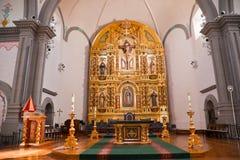 Basilique d'or San Juan Capistrano de mission d'autel Images libres de droits