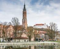 Basilique dans Landshut et château de Trausnitz Images stock