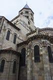 Basilique de Notre-Dame du Port à Clermont-Ferrand dans les Frances Image stock