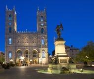 Basilique de Notre-Dame la nuit, Montréal photographie stock