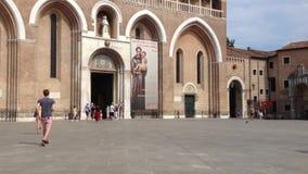 Basilique de St Anthony dans le service informatique de Padoue clips vidéos
