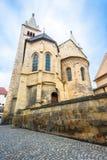 Basilique de St George dans le château de Prague image stock