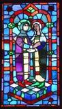 Basilique des fenêtres en verre teinté de Notre-Dame-du-chapeau Image libre de droits