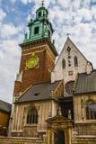 Basilique des saints Stanislaus et Wenceslaus sur la colline de Wawel Image stock
