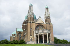 Basilique du Sacre-Coeur (Heilige Hartbasiliek) in Brussel, België Binnen mening Royalty-vrije Stock Afbeeldingen
