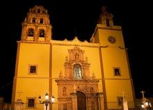Basilique Guanajuato Mexique la nuit Images stock