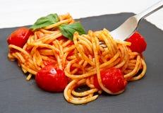 basilu kumberlandu spaghetti pomidor zdjęcia royalty free