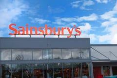 Basingstoke, Hampshire, R-U - 17 octobre 2016 : Stockez l'avant de l'hypermarché de Sainsburys dans le parc Basingstoke de Kempsh Photo libre de droits