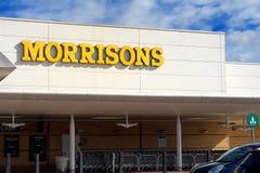 Basingstoke, R-U - 9 mars 2017 : Extérieur du supe de Morrisons Image libre de droits