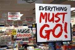 Basingstoke, UK - Jan 04 2016: Detalicznego sklepu sprzedaży znaków mówić Obraz Royalty Free
