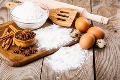 Basisingrediënten voor baksel Stock Foto's