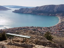 Baska de l'île de la Croatie de point de vue du krk Photo stock