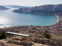 Baska von der Standpunkt Kroatien-Insel von krk Stockfoto