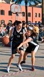 Basket-ball de cour de jeu Photo stock