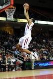 Basket-ball de hiboux de temple - Rahir Jefferson trempe Images libres de droits