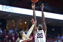 2014 basket-ball de NCAA - action de jeu de temple de Towson @ Photo stock