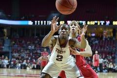 2014 basket-ball de NCAA - grands 5 Photographie stock