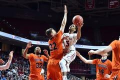 2015 basket-ball de NCAA - premier temple-Bucknell de Rd de LENTE Photo stock