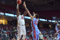 2015 basket-ball de NCAA - temple contre l'état du Delaware Photos stock