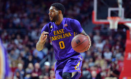 2015 basket-ball de NCAA - Temple-ECU Images libres de droits