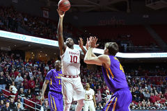 2015 basket-ball de NCAA - Temple-ECU Image libre de droits