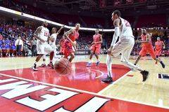 2015 basket-ball de NCAA - Temple-La de quarts de finale de LENTE technologie Photographie stock libre de droits