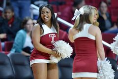 2015 basket-ball de NCAA - Temple-La de quarts de finale de LENTE technologie Photos libres de droits