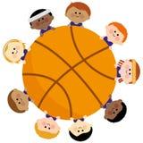Basket-ball et équipe d'enfants Photo libre de droits