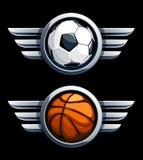 Basket-ball et ballon de football Photos libres de droits