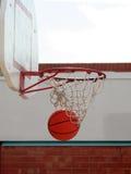 Basket-ball et réseau Images stock