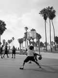 Basket-ball extérieur à la plage de Venise Photographie stock