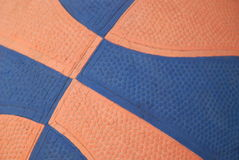 Basket-ball orange et bleu Images libres de droits