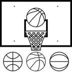 Basket-balls et panneau arrière Image stock