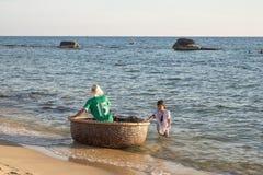 Basket boat in Vietnam Royalty Free Stock Photos