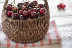 Basket of cherries Royalty Free Stock Photography