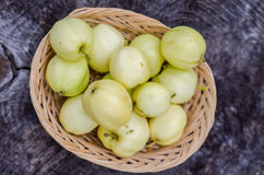 Basket with crab apples Royalty Free Stock Images
