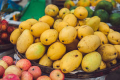 Basket with mangoes at the street market, Vietnam Royalty Free Stock Photography