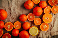 Basket of Tangerines on a wooden table.  Delicious and beautiful Stock Images