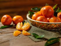Basket with tasty tangerines Royalty Free Stock Images