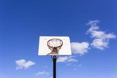 Basketbal buiten Blauw Royalty-vrije Stock Afbeelding