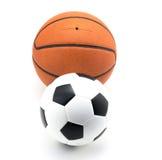 Basketbal en voetbalbal stock fotografie