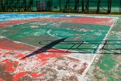 Basketball-Basketballplatznetzband-Ringbrett im Freien im Freien Stockfoto