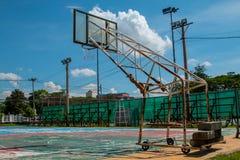 Basketball-Basketballplatznetzband-Ringbrett im Freien im Freien Stockbild