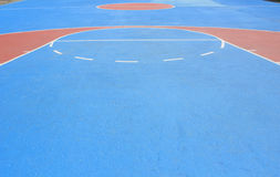The basketball court with white lines Royalty Free Stock Images