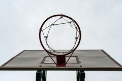 Basketball hoop with an empty basket royalty free stock photos